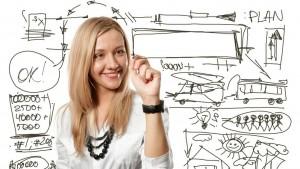 Emprendedora-haciendo-plan-de-negocios